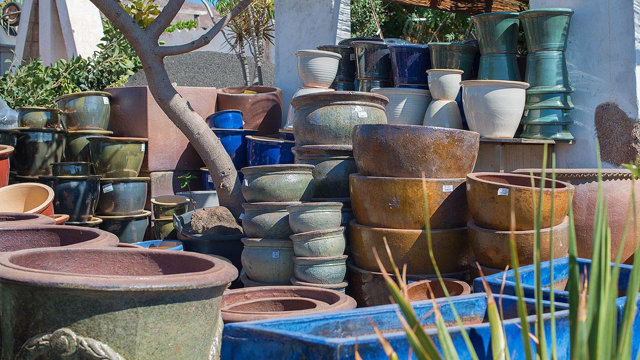 flower power garden centre new ceramic pots garden deco. Black Bedroom Furniture Sets. Home Design Ideas